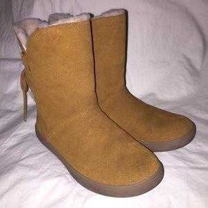 2/30 Koolaburra by Ugg Women's Shazi Short Boots
